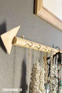 Lemonade Makin' Mama: The arrow jewelry holder DIY.