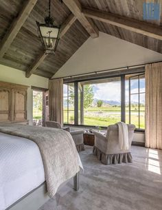 50 Breathtaking Rustic Ranch House Tucked Into the Beartooth Mountains – rustic home interior Rustic Home Interiors, Rustic Home Design, Rustic Homes, Barn House Interiors, Wood House Design, Rustic Lake Houses, Rustic House Plans, Pole Barn House Plans, Lake House Plans