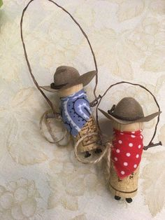 My Cowboy recycled cork ornament is ready for a home on the range. complete with hat, bandana and lasso. Each unique with your choice of black or dark tan hat; red, light blue or dark green bandana. Wine Craft, Wine Cork Crafts, Bottle Crafts, Anniversaire Cow-boy, Wine Cork Ornaments, Snowman Ornaments, Christmas Ornaments, Wine Cork Projects, Wine Cork Art