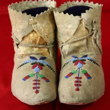 Native American Antique Sioux Beaded Moccasins