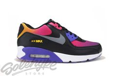 A simply clean crafted rendition of the iconic Air Max Now with a mixture of colors that are suited for vibrant run or a casual look. Air Max 90, Nike Air Max, Fashion Boots, Sneakers Fashion, Air Max Sneakers, Sneakers Nike, Jordan Shoes For Women, Kicks Shoes, Dream Shoes
