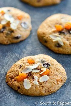 Koekjes met chocolade, abrikoos en amandel