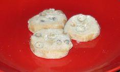 Recept na masarykovo cukroví, které je netradiční a velmi dobré. Toto vánoční cukroví měl rád i sám prezident Masaryk, proto je teď po něm pojmenováno. Muffin, Pudding, Breakfast, Desserts, Food, Biscuits, Morning Coffee, Tailgate Desserts, Deserts
