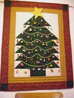 Christmas Quilts: Christmas Treat Wallhanging FOR INSPIRATION ONLY  NO DIRECTIONS 12/25/14  JS