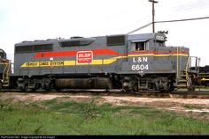 RailPictures.Net Photo: LN 6604 Louisville & Nashville EMD GP40-2 at Hamlet, North Carolina by Sid Vaught