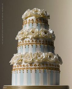 Blue wedding cake. Baby Blue