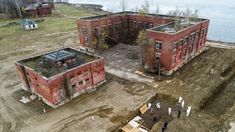 cimitero post covid - Ricerca Google Halle, Hart Island, Rikers Island, Parks Department, Department Of Corrections, Aerial Images, The Day Will Come, View Map, Bury