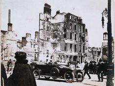Limerick historian documented Dublin in ruins after the Easter rebellion in collection of captivating photographs. Ireland 1916, Dublin Ireland, Dublin Street, Dublin City, Old Pictures, Old Photos, General Post Office, Ireland Homes, Aerial View