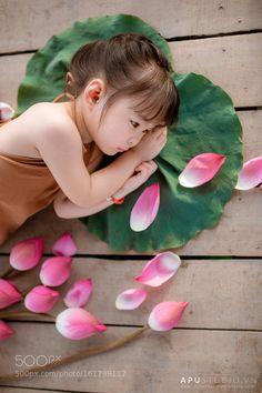 cd8ba0b3a3f9 Waiting for you... by Natasha NK on 500px   Natasha NK - children, 6D    Pinterest