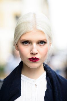 Pin for Later: Bellissima! The Most Gorgeous Street Style Stars of Milan Fashion Week MFW Street Style Beauty