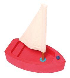 Wunderschön zum Schiffchen fahren lassen in der Badewanne oder in einem Bächlein. Unsere Holzsegelschiffe sind absolut schwimmfähig und Badewannen tauglich. Beim Trocknen bitte nicht auf die Heizung legen, da sonst Risse im Holz...