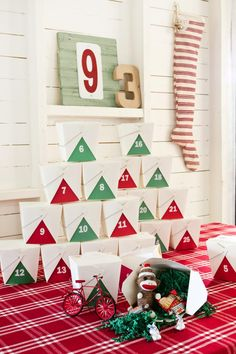 Holiday Craft Ideas from HGTV: DIY Advent Calendar >> http://www.hgtv.com/design/make-and-celebrate/handmade/our-65-favorite-handmade-holiday-decorating-ideas-pictures?soc=pinterest