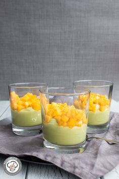 Avocado als Grundlage einer Creme geht extrem gut und schmeckt auch so. Dieses Rezept unserer Avocado-Creme solltet ihr unbedingt probieren.