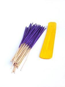 How to Make Incense Sticks Naturally Using Punk Sticks thumbnail