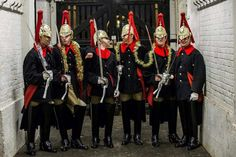 MERRY christmas indeed! Household Cavalry (Blues and Royals). These guys are absolutely GORGEOUS!