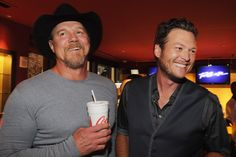 Blake Shelton Says Trace Adkins Showed Him How to Be a Mentor