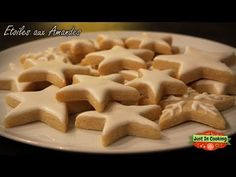 ❅ Recette des Etoiles de Noël aux Amandes (sans gluten) ❅ - YouTube Galletas Cookies, Cake Cookies, Sugar Cookies, Biscuits, Yummy Mummy, No Cook Desserts, Christmas Mood, Food Humor, Biscuit Recipe