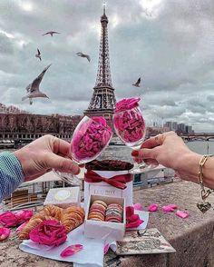 Eiffel tower 🗼 I ♥ Paris 2 Sfs Instagram, Nature Instagram, Paris Wallpaper, I Love Paris, Pink Paris, Beautiful Paris, Paris Paris, Paris Ville, Paris Photography