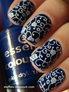 I'm wanting to paint my nails now