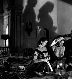 Vivien LeighandOlivia de Havilland in Gone With the Wind (Victor Fleming, 1939)  viaoldhollywood(via)