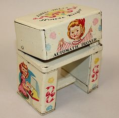 1950s Little Miss House Keeper Automatic Ironer~~