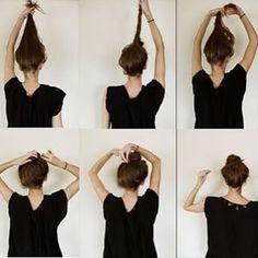 E eis o coque mais fácil e rápido possível: | 22 penteados simples para quando você não sabe o que fazer com seu cabelo