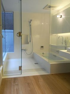 Bathtub Shower Combo, Master Bathroom Shower, Contemporary Bathroom Faucets, Modern Bathroom, Jacuzzi, Single Handle Bathroom Faucet, Restroom Remodel, Bathroom Interior Design, Decoration