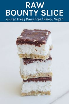 This raw bounty slice is super healthy and is gluten, dairy and refined sugar free. It is one seriously epic raw dessert and comes with a date free base. Healthy Sweets, Healthy Dessert Recipes, Healthy Baking, Raw Food Recipes, Sweet Recipes, Healthy Snacks, Dinner Healthy, Yummy Healthy Food, Celery Recipes