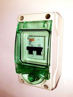 Instalaciones eléctricas residenciales - gabinete para el interruptor principal