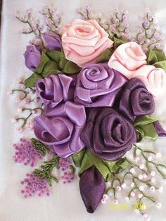 Diy Bead Embroidery, Embroidery Patterns Free, Rose Embroidery, Silk Ribbon Embroidery, Embroidery Kits, Embroidery Designs, Embroidery Stitches, Diy Ribbon, Ribbon Work