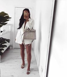 This beauty is hands down the most exclusive and most luxurious bag in our entire collection! This STUNNING bag is made of very high quality Italian leather and the high class design and croco pattern are just to die for, right? Mode Instagram, Instagram Fashion, Fashion Drug, Live Girls, Basic Outfits, Style Guides, Supermodels, White Dress, Clothes For Women