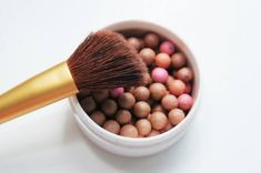 Fantastic look with these Bronzing pearls! Give your skin an instant sun-kissed glow. Tinted Moisturizer -Used by professional MUA's. Make Up Artists ⭐️ anti-aging ingredients,… Eyebrow Serum, Eyelash Serum, Nu Skin, Nutriol Shampoo, Lip Plumping Balm, Bronzing Pearls, Beauty Guide, Tinted Moisturizer, Blush