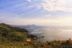 https://flic.kr/p/E7eXZ2   Lamma Island Coastal   Lamma island Coastal, Hong Kong Sat on the mountain top and enjoying a piece of fresh pineapple to see the serene surroundings.