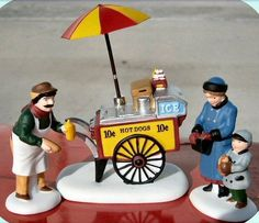 DEPT 56 Christmas in The City: Hot Dog Vendor
