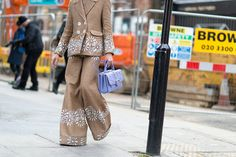 The Best Street Style From London Fashion Week  - ELLE.com