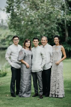 This Couple Opted for Simple and Understated Details for Their Wedding, and It Looked Stunning! Barong Tagalog Wedding, Barong Wedding, Filipiniana Wedding Theme, Wedding Groom, Wedding Entourage, American Wedding Themes, Tagaytay Wedding, Brazilian Wedding, Filipino Wedding