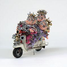 """""""Easy Bikers"""", Olivier Sultan, 2015.  52x52 cm - 1/7 C-print - Collage sous plexiglas, support aluminium, châssis rentrant aluminium. En vente dans notre rubrique Store."""