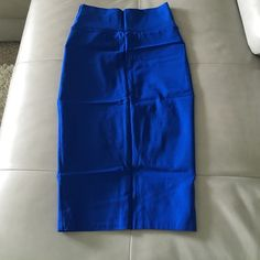 Pencil skirt Size Medium fits like a small New Skirts Pencil
