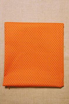 NA010 Poá laranja bolinha marron As cores dos produtos podem sofrer pequenas variações em função do monitor.