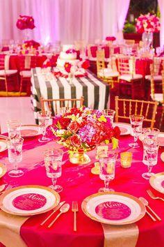 Gorgeous wedding centerpiece idea; photo: Junshien International Photographers