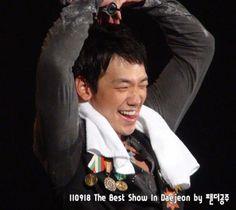 Best show Korea tour, Daejeon. 사랑 해요 (Saranghaeyo). 愛しています (Aishiteimasu)。I loveyou. (Images courtesy of Rainstorm, Osaka)