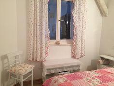 Rózsa apartman, hálószoba. Badacsony - Lake Balaton - Hungary Curtains, Home Decor, Blinds, Decoration Home, Room Decor, Draping, Home Interior Design, Picture Window Treatments, Home Decoration