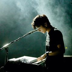 Finally! 정용화 is in #twitter! Follow him --> @JYHeffect *he just updated his profile pic! lovely!