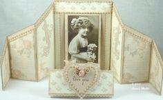 Folded Card with Belt Interior  www.tarascraftstudio.com