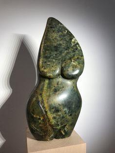 """""""Schwangere"""": Stein Skulptur, weiblicher Torso aus Lavezstein. Weitere Skulpturen aus Holz und Stein des Bildhauers aus Köln, z.T. vergoldet mit 24 Karat Blattgold sind auf meiner website zu sehen."""