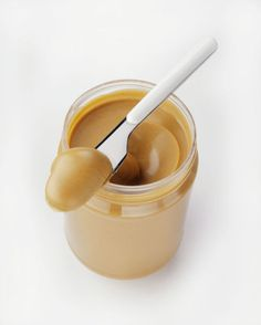 The best things to eat to lose belly fat: Who would have guessed that a kid-friendly food could be waist-friendly, too? Peanut butter is packed with niacin, which keeps the digestive system on track and prevents belly bloat.