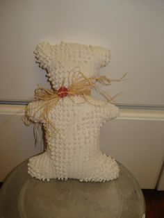 """For the re-purposer who sews ... use remnants of an old chenille bedspread to make """"primitive"""" stuffed toys.  Too cute!"""