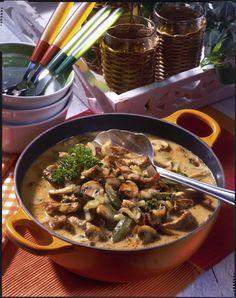 Schnitzel-Pfeffer-Suppe à la Stroganoff Unser beliebtes Rezept für Schnitzel-Pfeffer-Suppe à la Stroganoff und mehr als weitere kostenlose Rezepte auf LECKER. Cooker Recipes, Crockpot Recipes, Healthy Recipes, Bean Recipes, Soup Recipes, Spinach Recipes, Roast Recipes, Fudge Recipes, Pudding Recipes