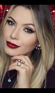 #makeup #maquiagem #makedenatal #dourado #redlips #mamacastilho