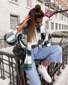 Winter Mode Outfits, Trendy Fall Outfits, Cute Comfy Outfits, Winter Fashion Outfits, Retro Outfits, Simple Outfits, Look Fashion, Stylish Outfits, Casual School Outfits